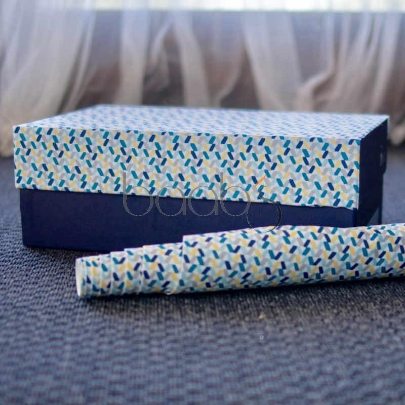 Tissu adhésif pour bois, contreplaqué, carton. Nombreux motifs dans les tons roses ou bleus disponibles
